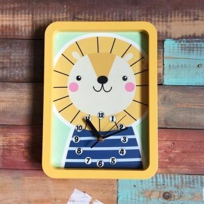 Настенные часы для детской Львенок