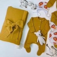 Летний комплект на выписку для новорождённых Дружба горчичный